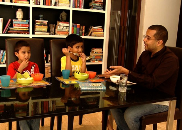 Chetan Bhagat and his Kids Shyam and Ishaan