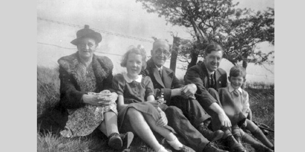 Great Aunt Minnie, sister Jean, Grandad William Henry McKellen, father Denis and Ian