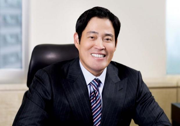 Lee's cousin Chung Yong-jin