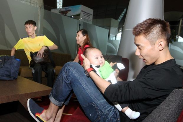 Lee Chong Wei Playing with His Son