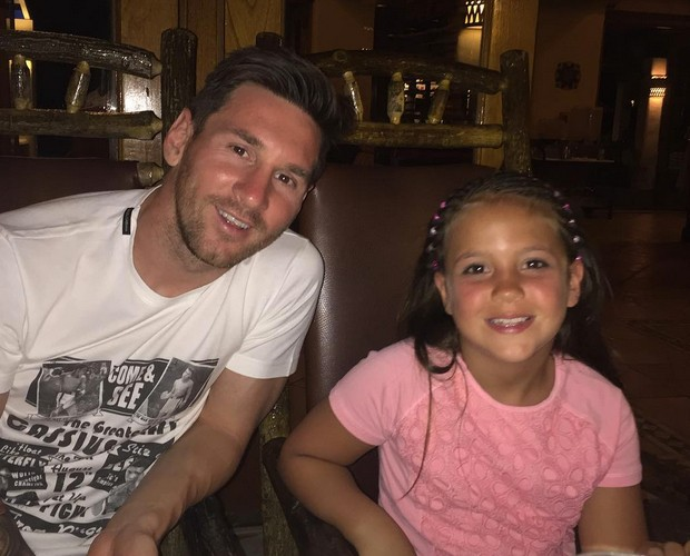 Messi with his niece More
