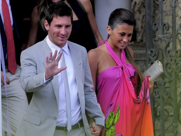 Lionel Messi with his partner Antonella Roccuzz