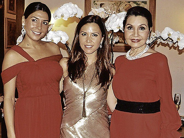 Monique Lhuillier with her mom Amparito Llamas Lhuillier and sister Yvette L.Warnod