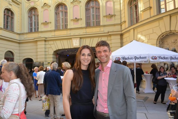 Thomas Muller with his wife at Deutsches Theater in Munich