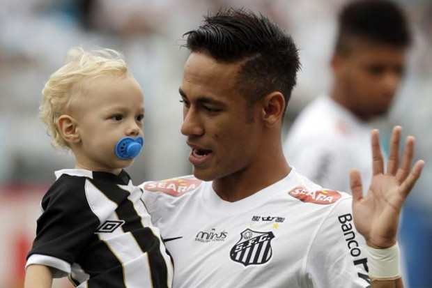 Neymar and his son ahead of a Santos game