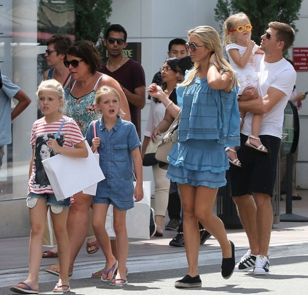 Steven Gerrard family outing