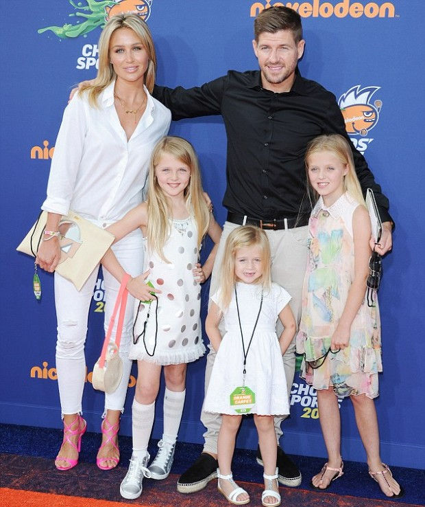 Steven Gerrad with his wife and kids at Kids Choice Awards in 2015