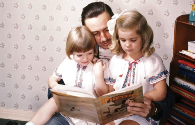 Walt Disney With his Daughters Diane and Sharon Moe