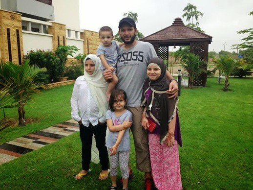Afridi with His Kids