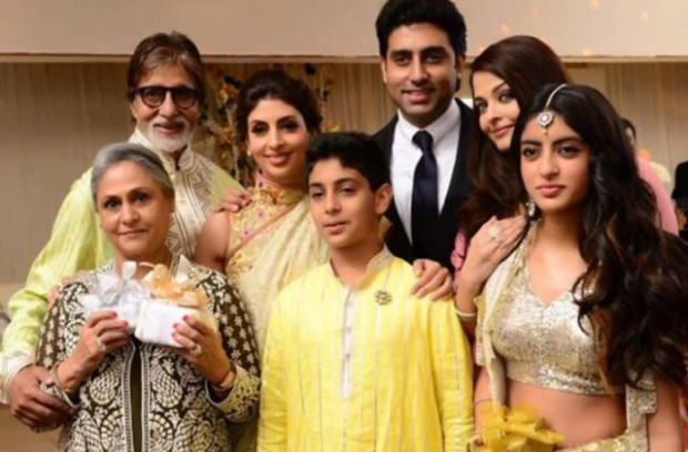 Amitabh and Jaya with their dughter-in-law, children and grand children