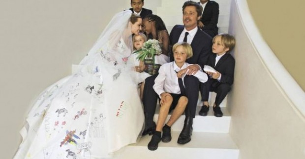 Angelina and Brad Pitt with their kids on wedding day