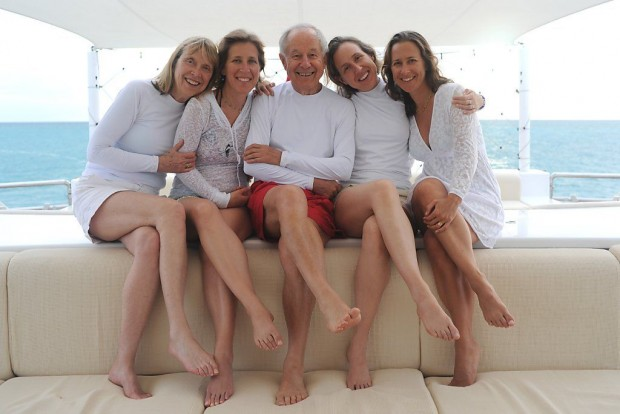 Anne Wojcicki With Her Parents And Sisters Susan and Janet