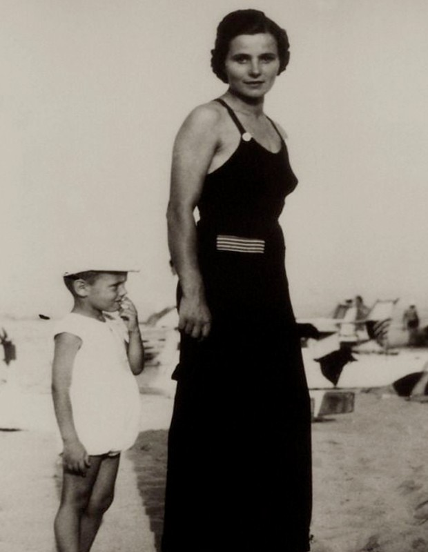 Armani with His Mother Maria Raimondi in His Childood