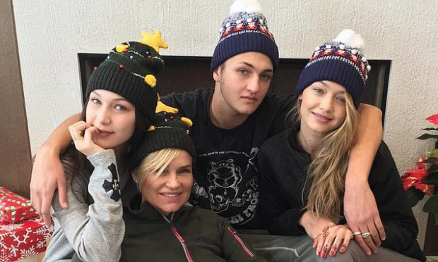 Bella Hadid with her mom and siblings