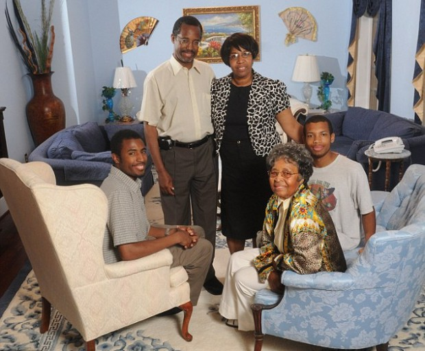 Ben Carson with his wife, his two sons and his mother