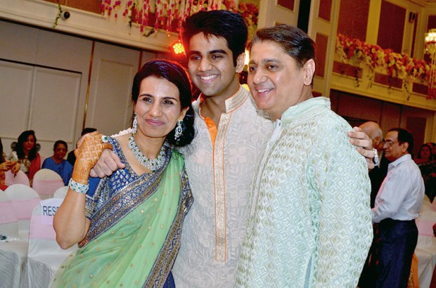 Chanda Kochhar With Son Arjun Kochhar and Husband Deepak Kochhar