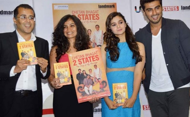 Chetan Bhagat and his wife Anusha with 2States leads Alia and Arjun
