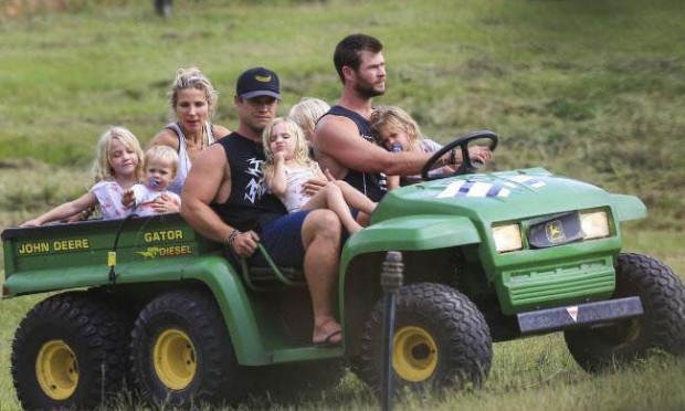 Chris Hemsworth on a vacation with his family