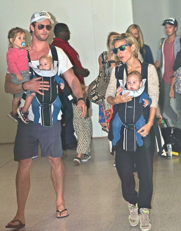 Chris Hemsworth along with his wife and kids