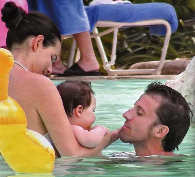 Del Piero playing with his son Tobias Del Piero