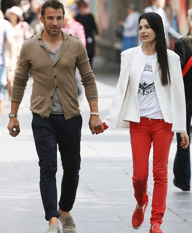 Alessandro Del Piero with his wife in Melbourne