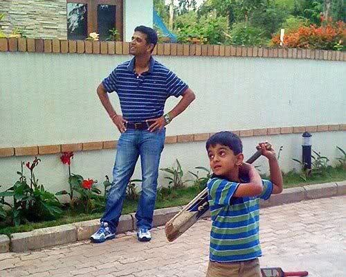 Dravid watching His Son Samit's Batting