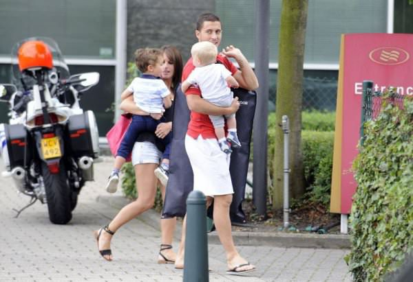 Eden Hazard his wife with their sons Leo and Yannis