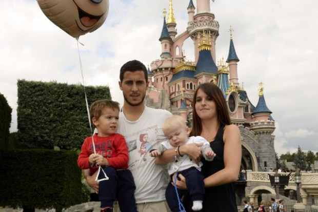 Eden Hazard in Disneyland with his family