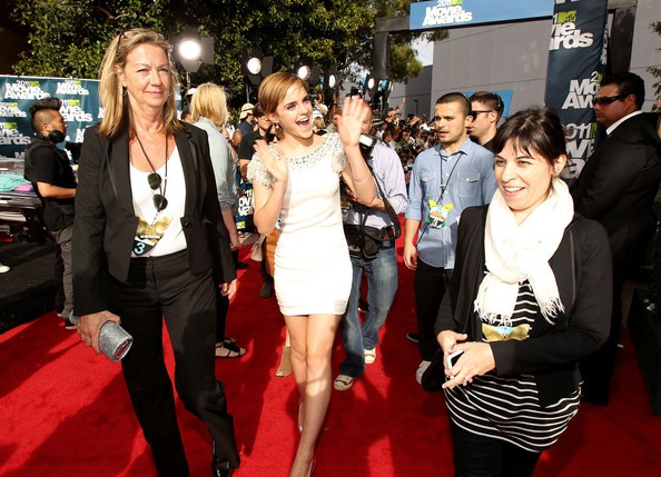 Emma Watson at MTV Movie Awards red carpet with her mom