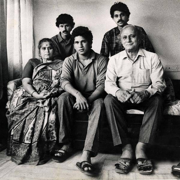 Sachin with his Parents and Brothers