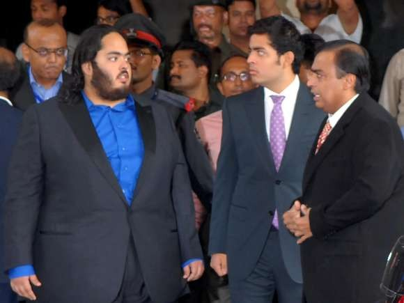 Mukehsh Ambani with His Sons Akash and Anant