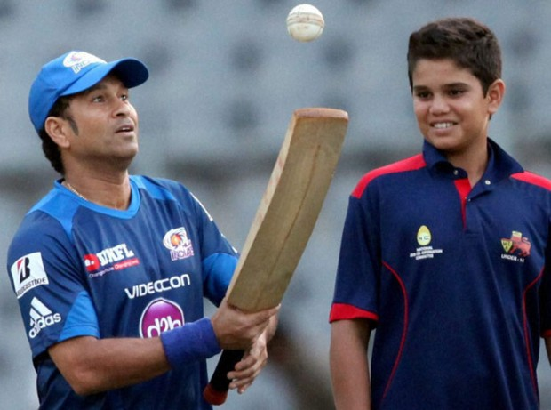 Sachin Practicing with his Son Arjun