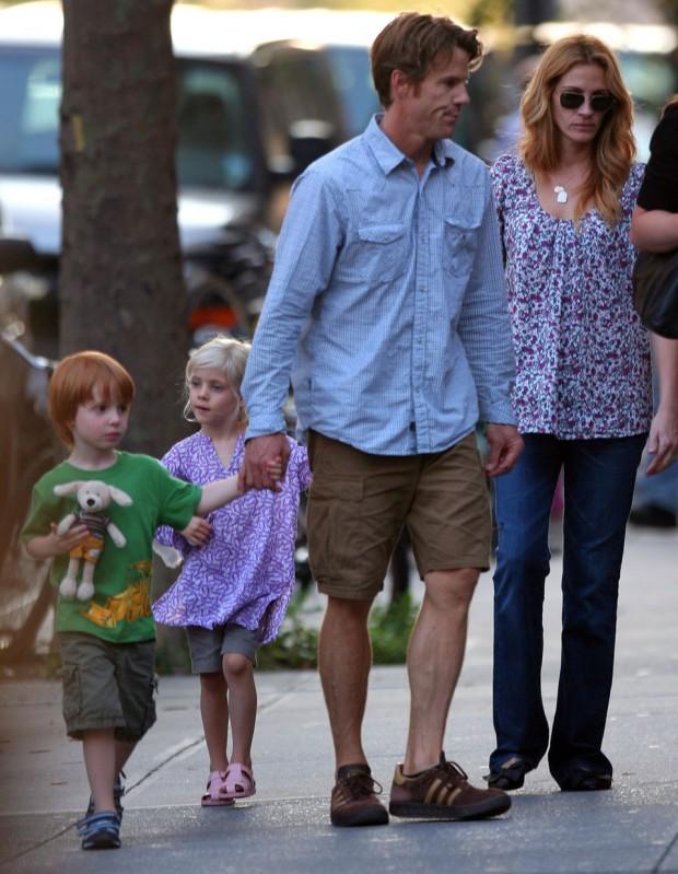Julia Fiona Roberts Family