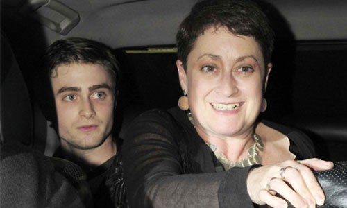 Daniel Radcliffe and his mother in their car