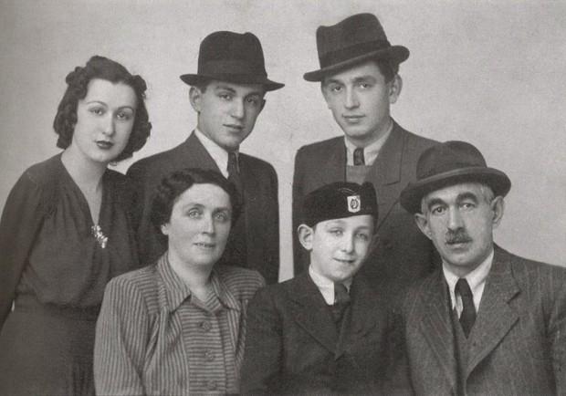 Frank Lowy Family