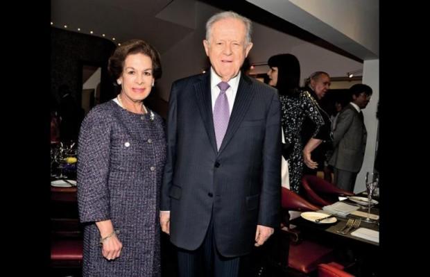 Samiento Luis Carlos Angulo and his wife