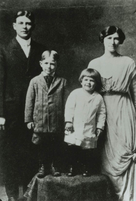 Ronald Reagan(Right) with Family