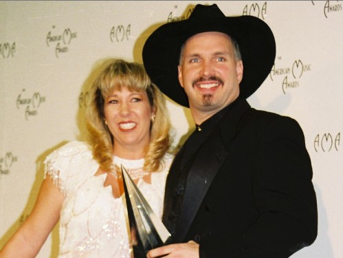 Garth Brooks First Wife Sandy Mahl