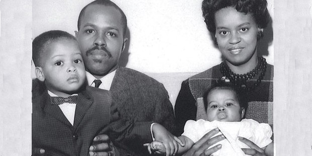 Michelle Obama With Her Parents In Childhood