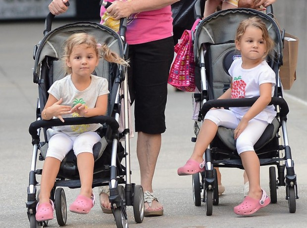 Daughters of Roger Federer