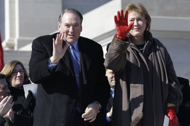 Mike Huckabee With His Wife Janet Huckabee