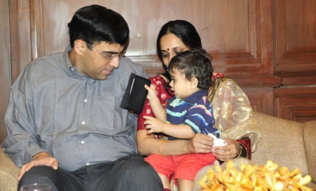 Vishy Anand With his Child