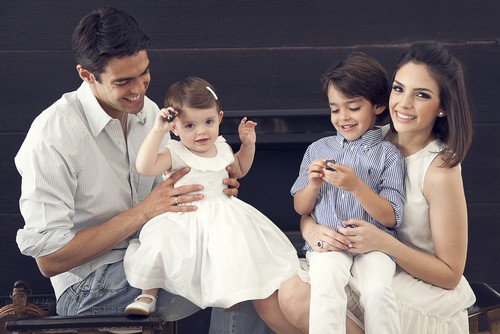 Kaka with his wife and kids
