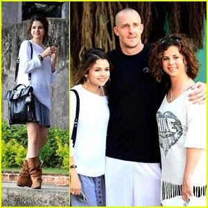 Selena Gomez Family