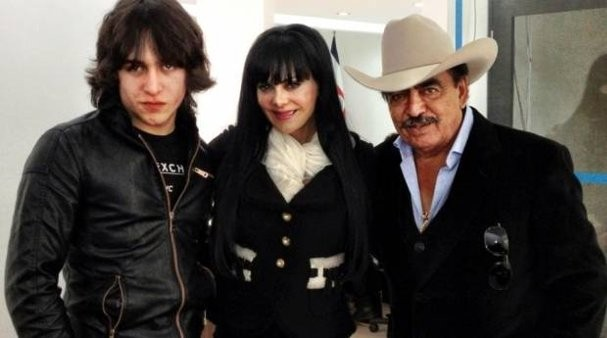 Joan Sebastian With Wife And Son