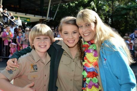 Terri Irwin with her Daughter Bindi Irwin and Son Robert
