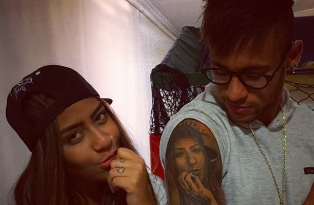 Neymar with His Sister Rafaella Beckran