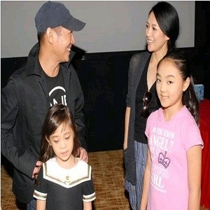 Jet Li with His Wife and Daughters