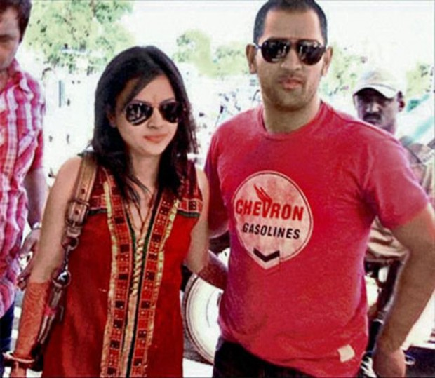 Dhoni with his wife Sakshi