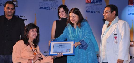 Maneka Gandhi Felicitates Deepa Malik